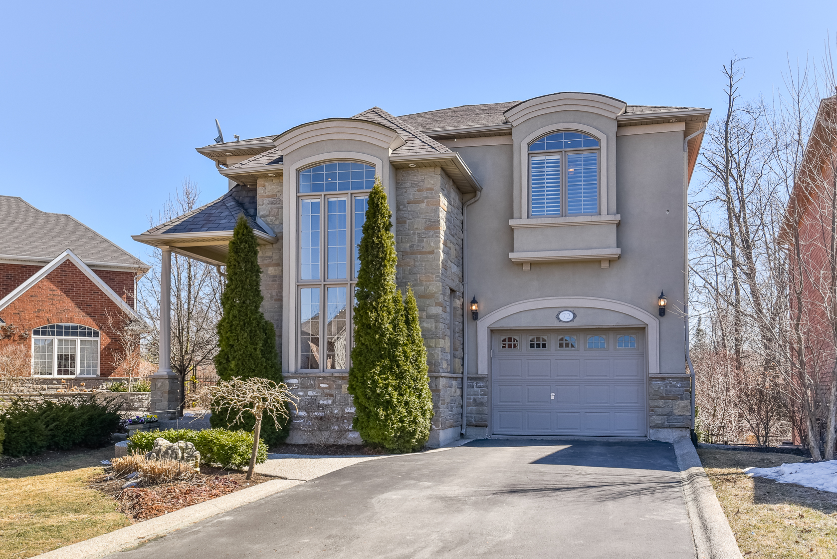 Main Photo: 72 Commando Court in Hamilton: Waterdown House (2-Storey) for sale : MLS®# X4078170