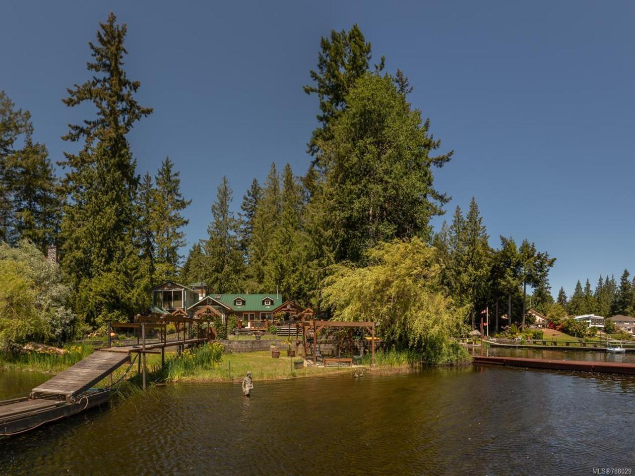 FEATURED LISTING: 2403 BARTON PLACE SHAWNIGAN LAKE