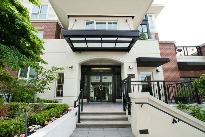 FEATURED LISTING: 301 - 2940 KING GEORGE BOULEVARD Surrey