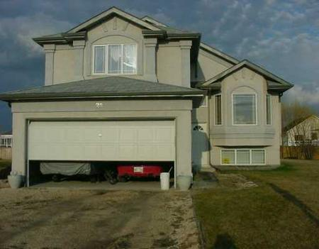 Main Photo: 23 River Wood Drive: Residential for sale (LaSalle)  : MLS® # 2604903