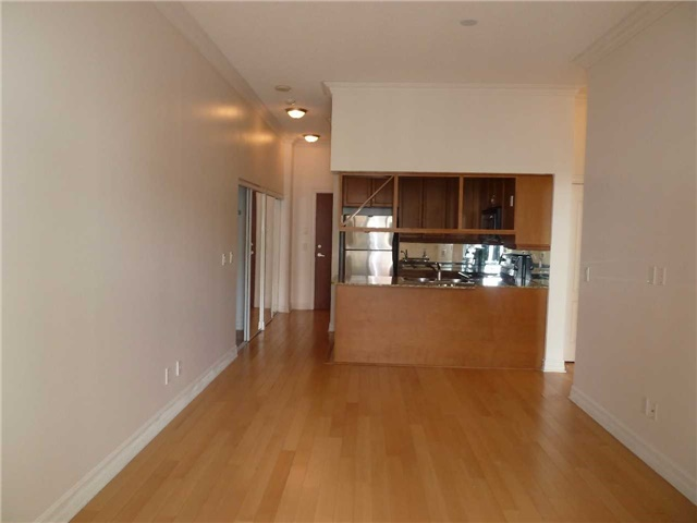 Main Photo: Uph5 4080 Living Arts Drive in Mississauga: City Centre Condo for lease : MLS®# W3497414