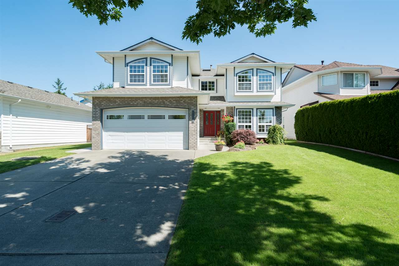 Main Photo: 22225 47 AVENUE in Langley: Murrayville House for sale : MLS®# R2184794