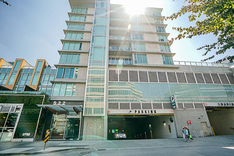 FEATURED LISTING: 6F - 522 8th ave West Vancouver