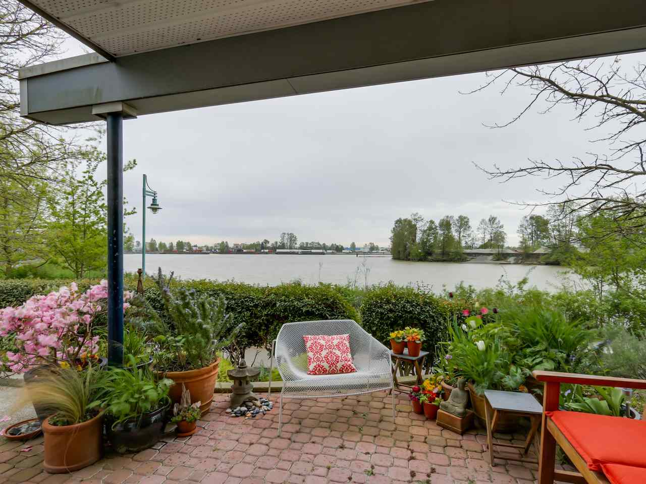 "Main Photo: 108 1880 E KENT AVENUE SOUTH in Vancouver: Fraserview VE Condo for sale in ""PILOT HOUSE AT TUGBOAT LANDING"" (Vancouver East)  : MLS® # R2057021"