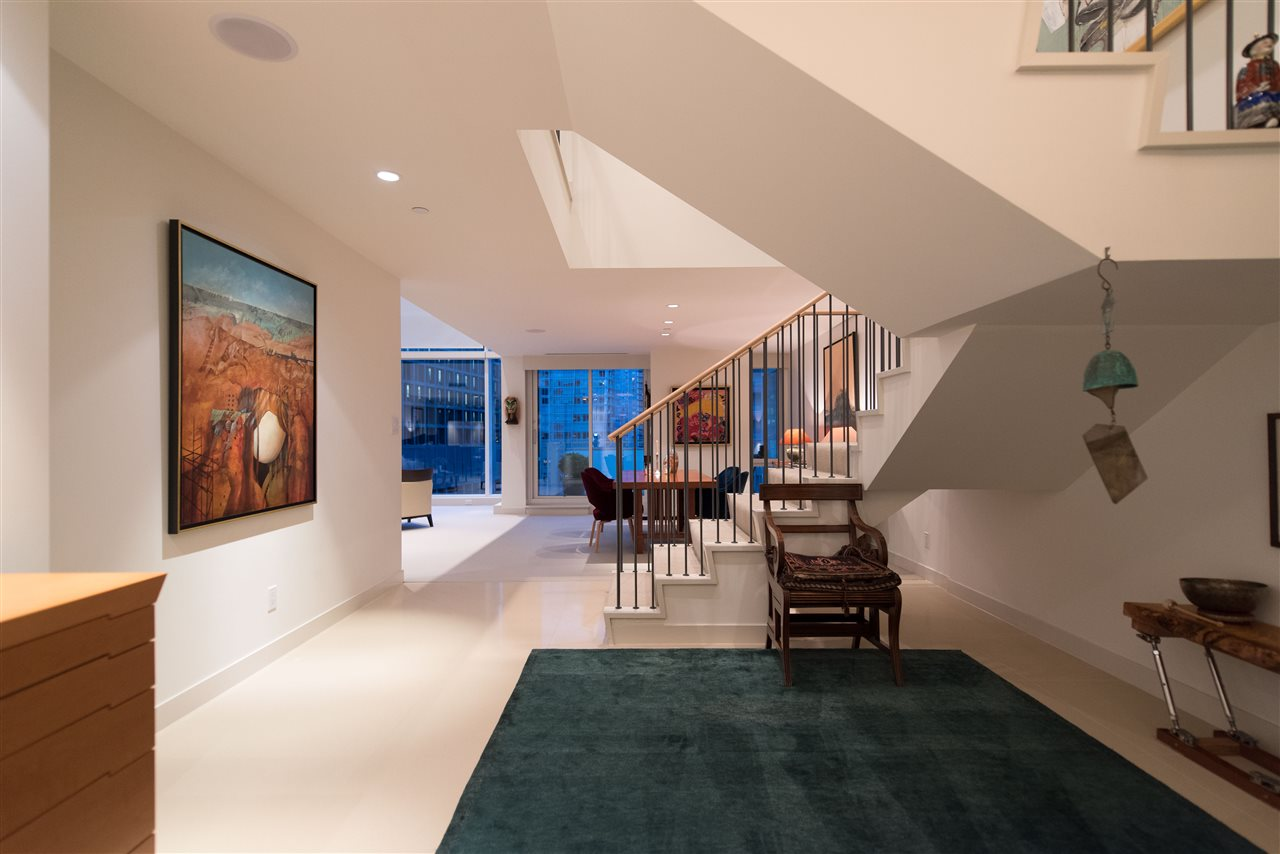 Photo 4: 1104 1139 W CORDOVA Street in Vancouver: Coal Harbour Condo for sale (Vancouver West)  : MLS(r) # R2160404