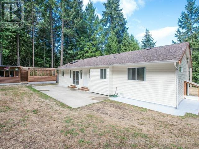Main Photo: 4879 Prospect Drive in Ladysmith: House for sale : MLS® # 386452