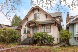 "Main Photo: 2954 W 14TH Avenue in Vancouver: Kitsilano House for sale in ""KITSILANO"" (Vancouver West)  : MLS® # R2225535"