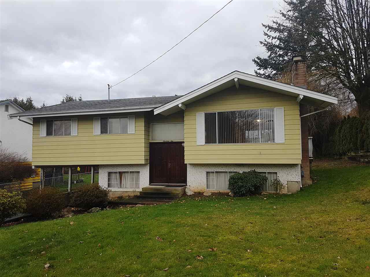 FEATURED LISTING: 1910 MCKENZIE Road Abbotsford