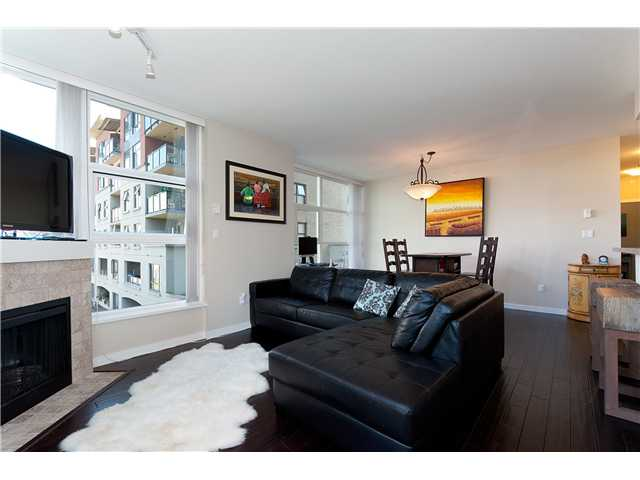 "Main Photo: 401 189 NATIONAL Avenue in Vancouver: Mount Pleasant VE Condo for sale in ""SUSSEX"" (Vancouver East)  : MLS®# V906022"