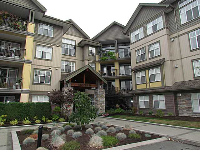 "Main Photo: 405B 45595 TAMIHI Way in Sardis: Vedder S Watson-Promontory Condo for sale in ""THE HARTFORD"" : MLS® # H1400585"