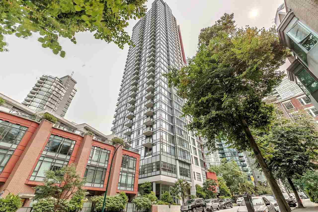 "Main Photo: 1201 1211 MELVILLE Street in Vancouver: Coal Harbour Condo for sale in ""THE RITZ"" (Vancouver West)  : MLS® # R2195394"