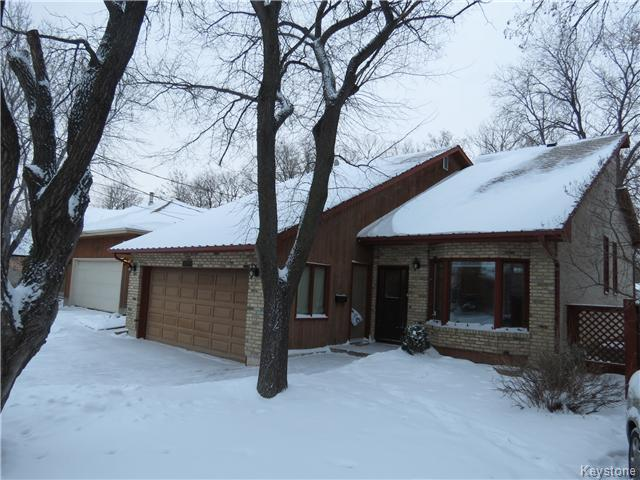 FEATURED LISTING: 962 Lemay Avenue WINNIPEG