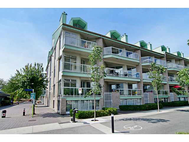 "Main Photo: 3111 33 CHESTERFIELD Place in NORTH VANC: Lower Lonsdale Condo for sale in ""Harbourview Park"" (North Vancouver)  : MLS®# V1134288"