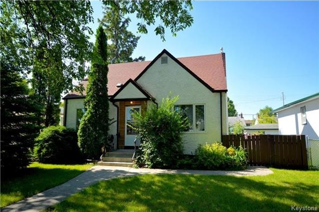 Main Photo: 914 Beach Avenue in Winnipeg: East Elmwood Residential for sale (3B)  : MLS®# 1718059