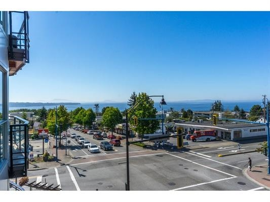 "Main Photo: 307 1420 JOHNSTON Road: White Rock Condo for sale in ""Saltaire"" (South Surrey White Rock)  : MLS®# R2201522"