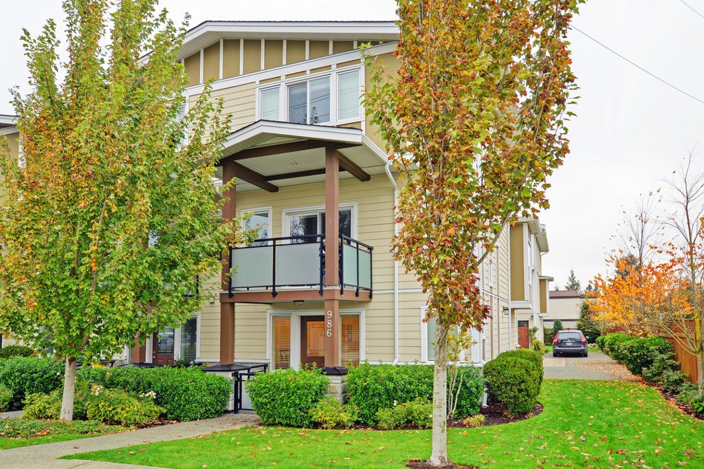 Main Photo: 986 Dunford Avenue in VICTORIA: La Langford Proper Townhouse for sale (Langford)  : MLS® # 371393
