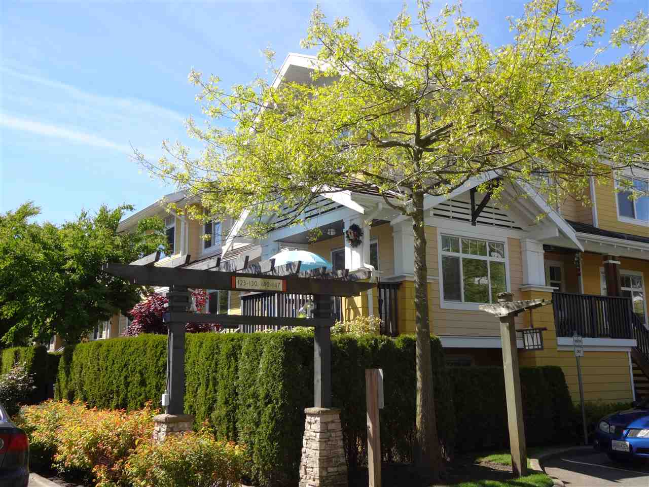 "Main Photo: 141 15236 36 Avenue in Surrey: Morgan Creek Townhouse for sale in ""SUNDANCE II"" (South Surrey White Rock)  : MLS(r) # R2167485"