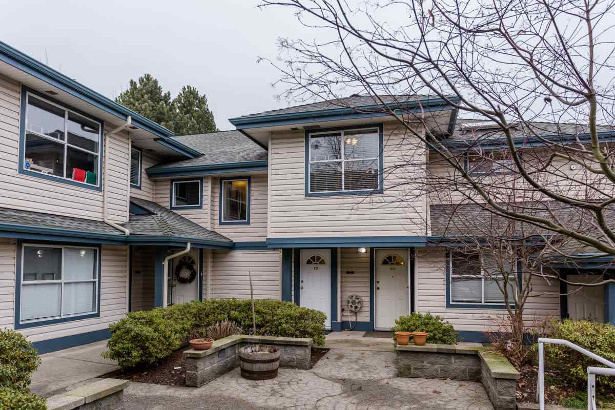 "Main Photo: 19 5664 208 Street in Langley: Langley City Townhouse for sale in ""The Meadows"" : MLS® # R2244817"