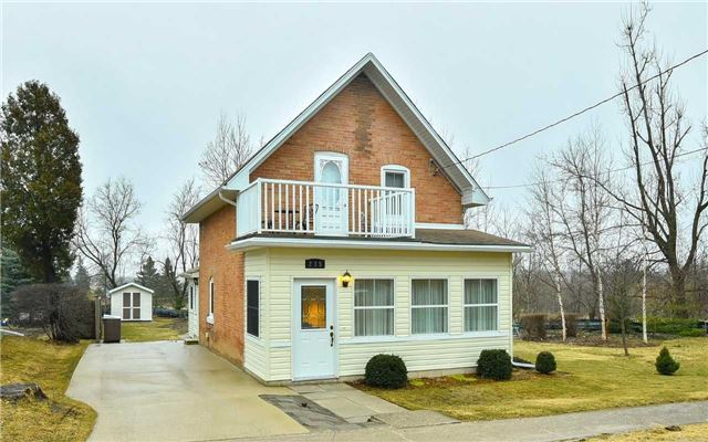 Main Photo: 235 W Second Avenue: Shelburne House (1 1/2 Storey) for sale : MLS®# X3743557