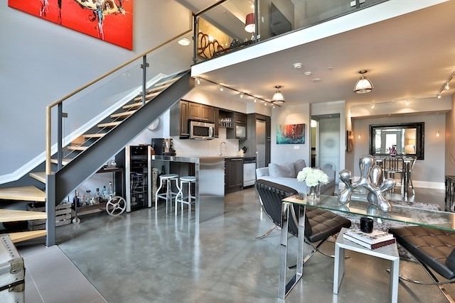 Main Photo: 25 Lourdes Lane Unit #8 in Toronto: North St. James Town Condo for sale (Toronto C08)  : MLS® # C3939601