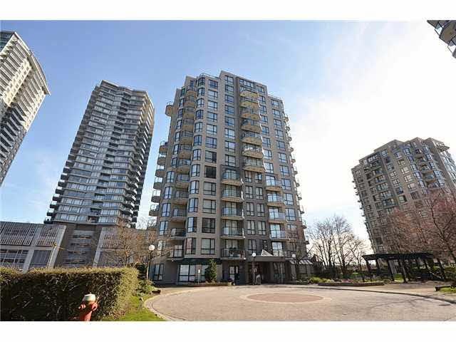 FEATURED LISTING: 608 - 828 AGNES Street New Westminster