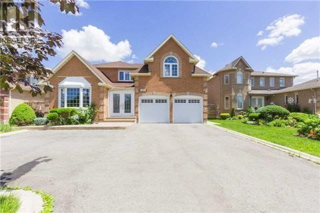 Main Photo: 5235 Creditview Road in Mississauga: East Credit House (2-Storey) for sale : MLS® # W3914379
