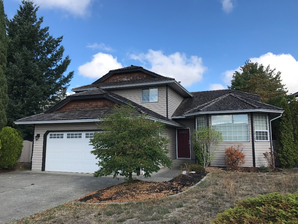 Main Photo: 32303 Golden Ave. in Abbotsford: Abbotsford West House for rent