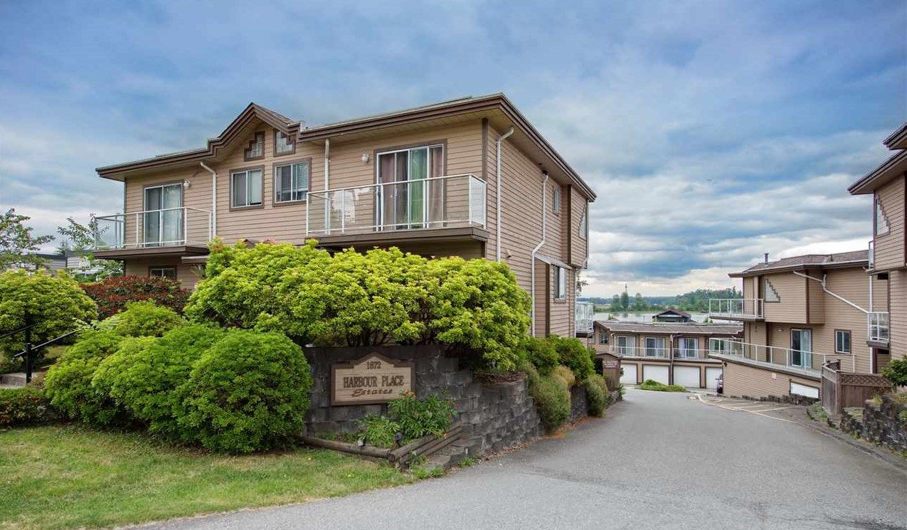 "Main Photo: 12 1872 HARBOUR Street in Port Coquitlam: Citadel PQ Townhouse for sale in ""HARBOUR PLACE ESTATES"" : MLS®# R2285466"