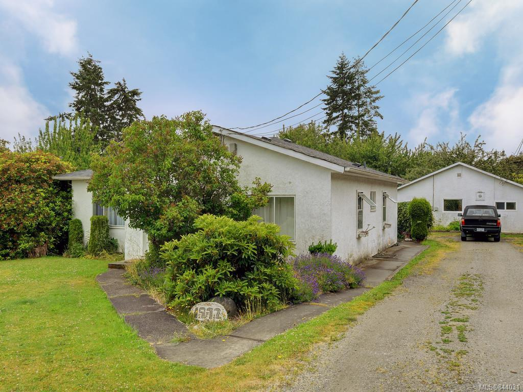 FEATURED LISTING: 1972 Murray Rd Sooke