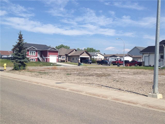 Main Photo: LOT 18 90TH Street in FT ST JOHN: Fort St. John - City NE Home for sale (Fort St. John (Zone 60))  : MLS® # N246428