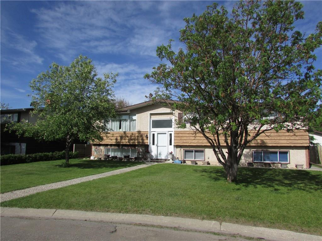 FEATURED LISTING: 206 8 Avenue Northeast Sundre