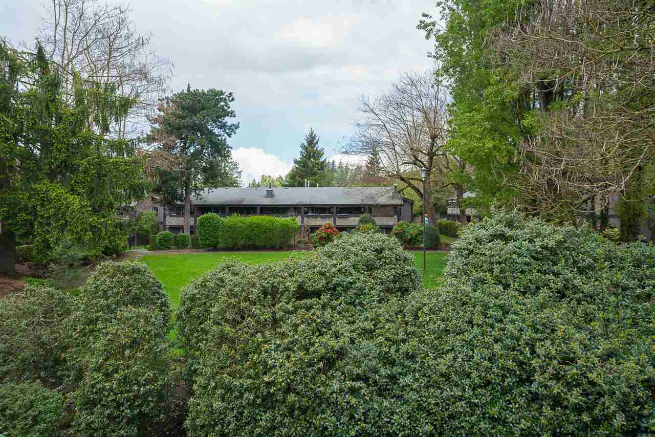 "Main Photo: 224 34909 OLD YALE Road in Abbotsford: Abbotsford East Condo for sale in ""The Gardens"" : MLS® # R2213957"