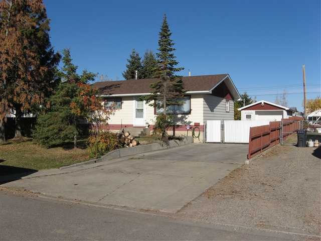 Main Photo: 9016 106TH Avenue in Fort St. John: Fort St. John - City NE House for sale (Fort St. John (Zone 60))  : MLS® # N240337