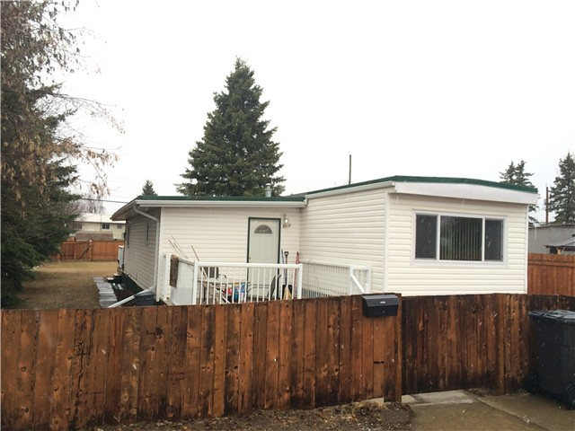 "Main Photo: 8916 77TH Street in Fort St. John: Fort St. John - City SE Manufactured Home for sale in ""AENNOFIELD"" (Fort St. John (Zone 60))  : MLS® # N244157"