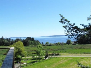 Main Photo: 9911 Craddock Drive in PENDER ISLAND: GI Pender Island Single Family Detached for sale (Gulf Islands)  : MLS® # 373814