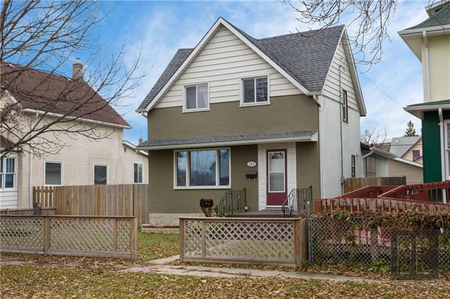 FEATURED LISTING: 422 William Newton Avenue Winnipeg