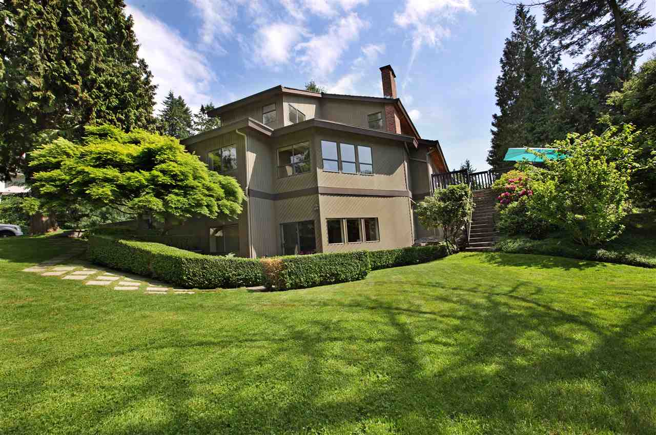 Main Photo: 5702 WESTPORT Wynd in West Vancouver: Eagle Harbour House for sale : MLS(r) # R2190238