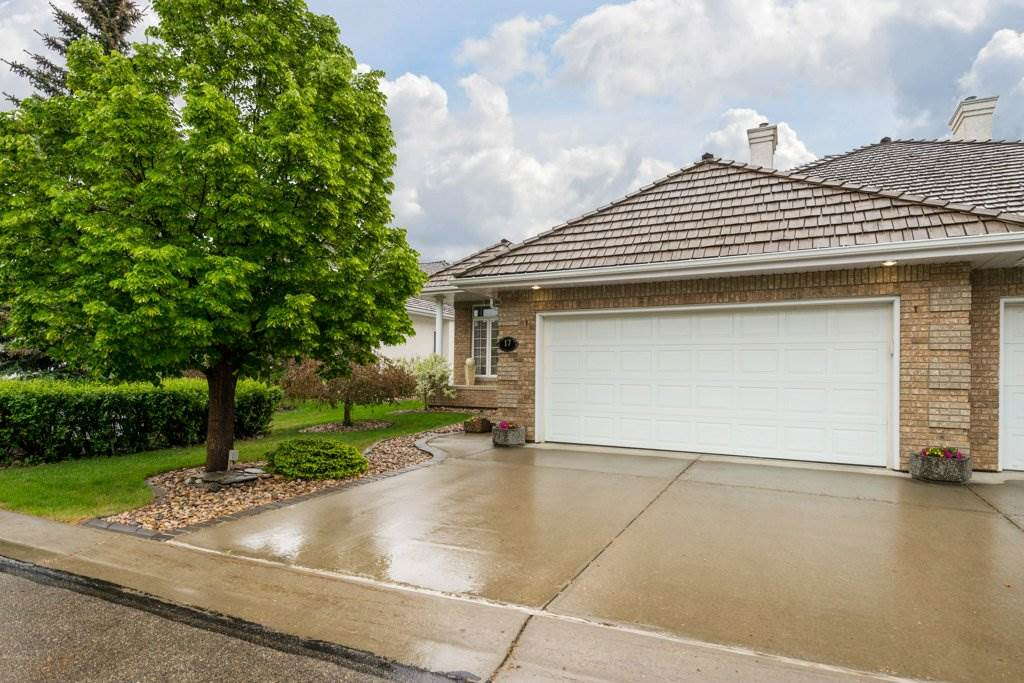 Main Photo: 17 BUTTERWORTH Point NW in Edmonton: Zone 14 House Half Duplex for sale : MLS®# E4113794