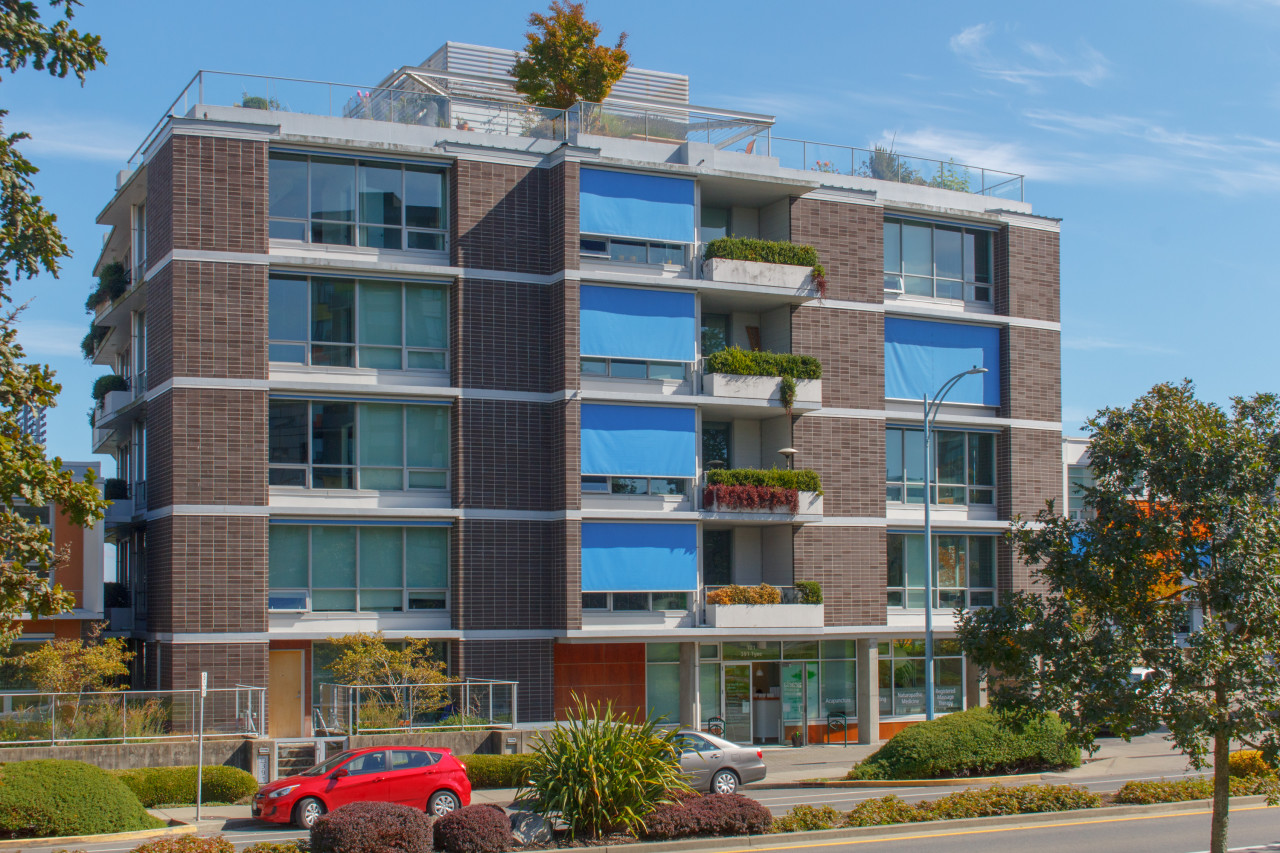 Main Photo: 506 391 Tyee Road in VICTORIA: VW Victoria West Condo Apartment for sale (Victoria West)  : MLS®# 399911