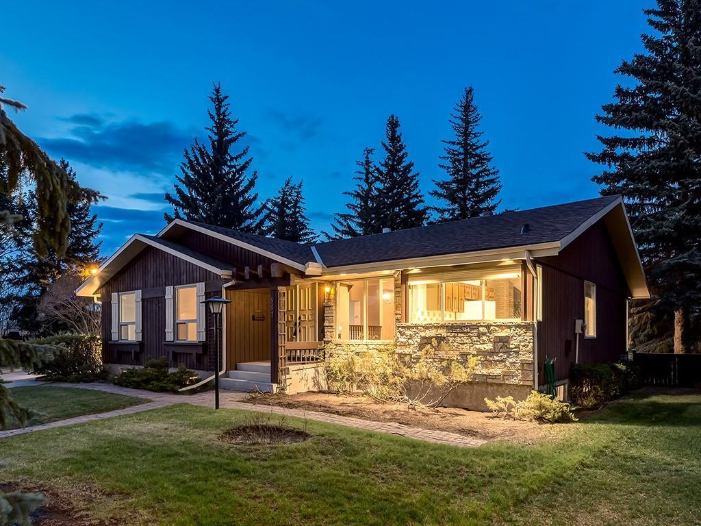 FEATURED LISTING: 587 WOODPARK Crescent Southwest Calgary