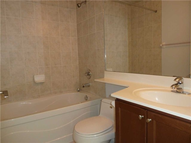 Photo 10: 2602 80 Absolute Avenue in Mississauga: City Centre Condo for lease : MLS® # W3442222
