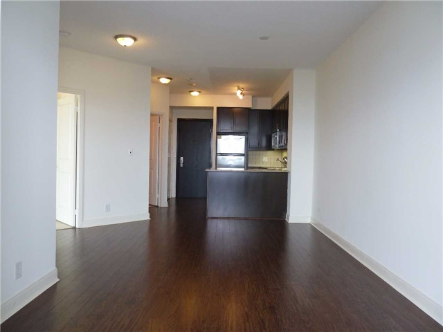 Photo 8: 2602 80 Absolute Avenue in Mississauga: City Centre Condo for lease : MLS® # W3442222