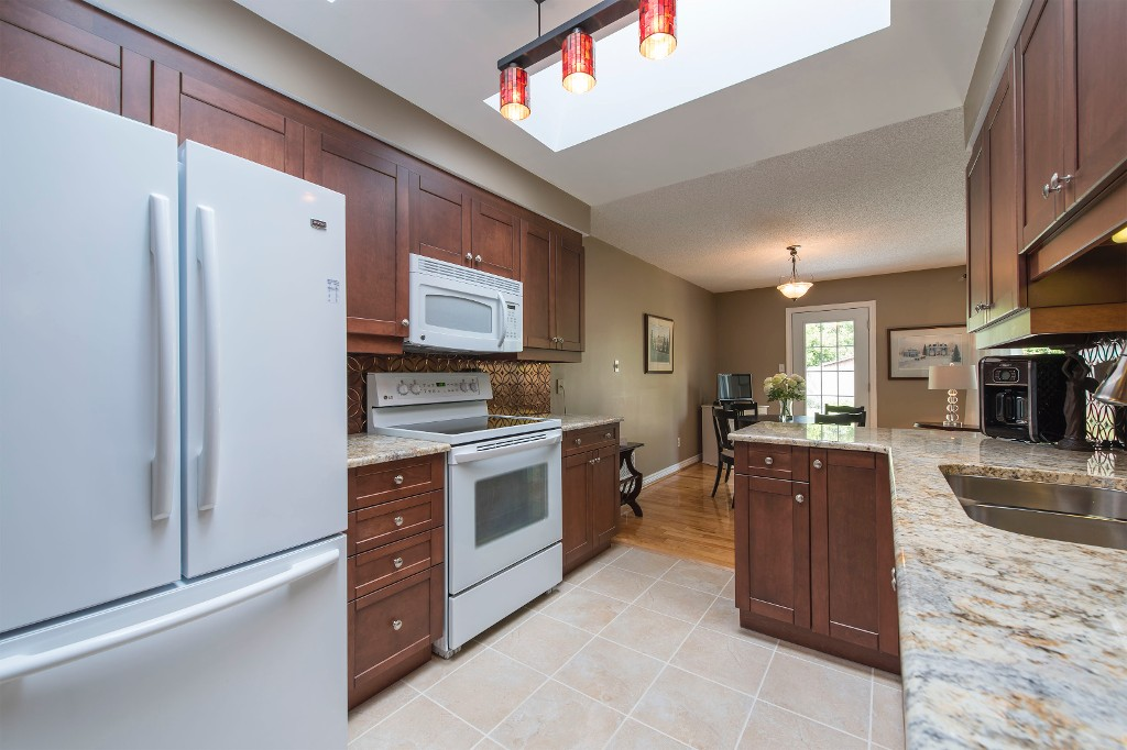 Photo 20: 547 Wallace Street in Burlington: Brant House (Bungalow) for sale : MLS® # W3214999