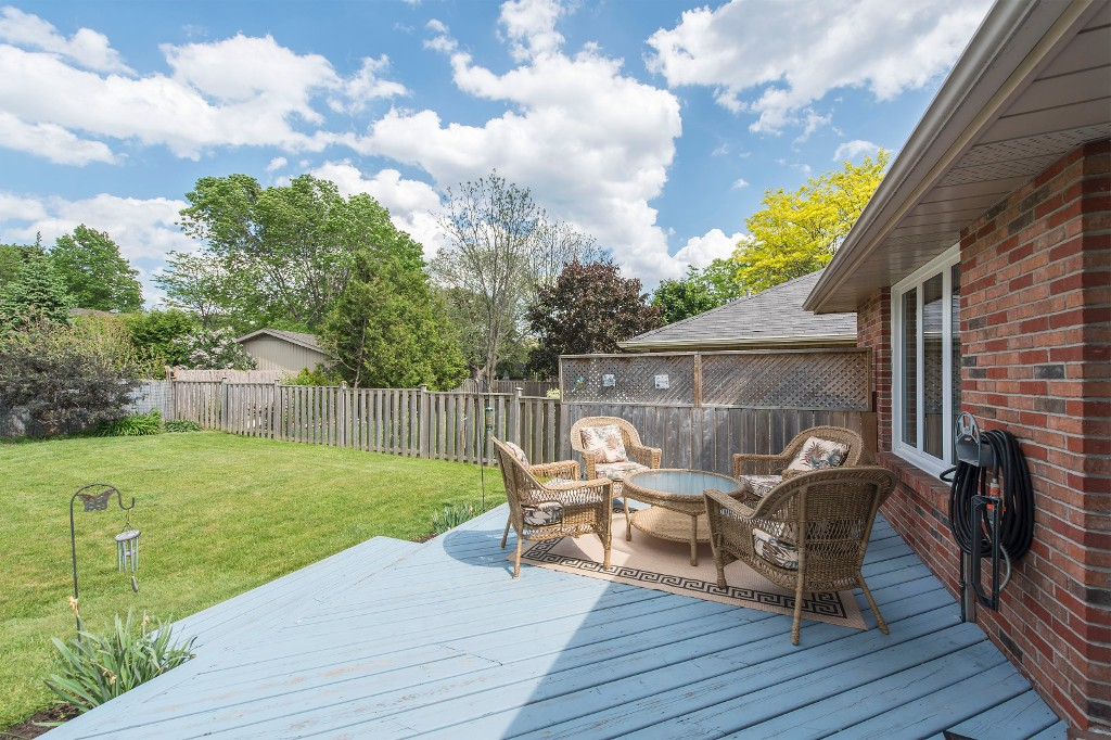 Photo 8: 547 Wallace Street in Burlington: Brant House (Bungalow) for sale : MLS® # W3214999