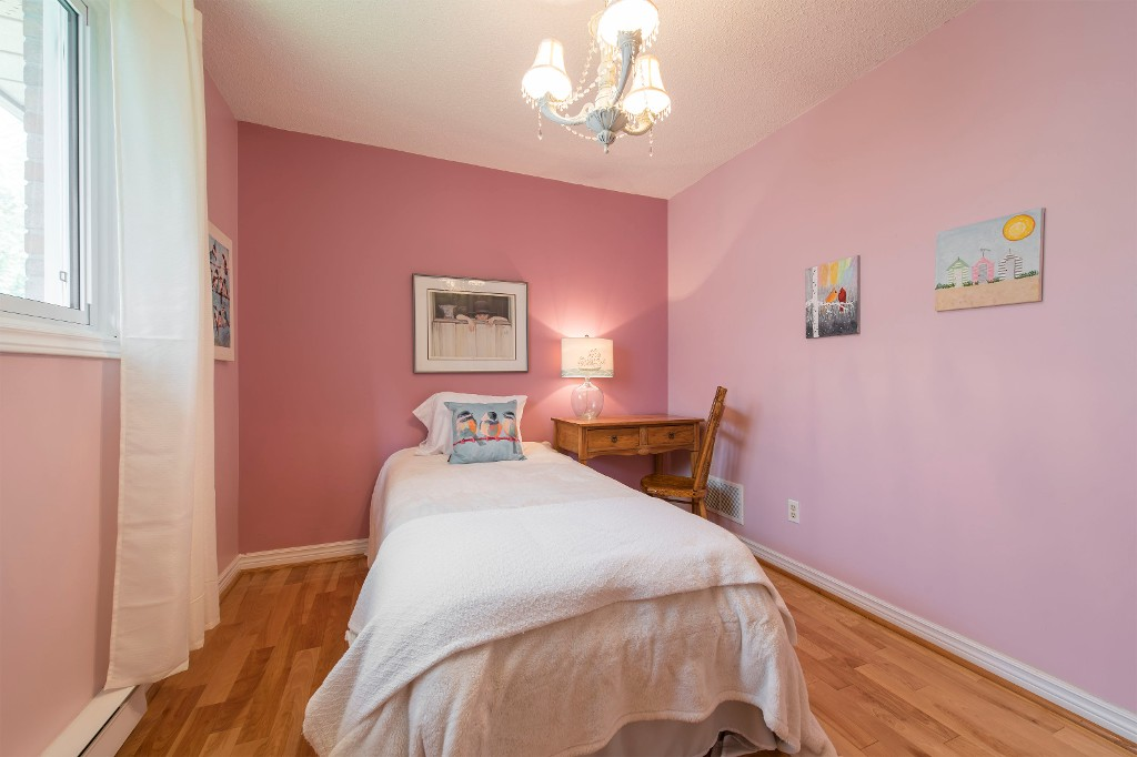 Photo 25: 547 Wallace Street in Burlington: Brant House (Bungalow) for sale : MLS® # W3214999