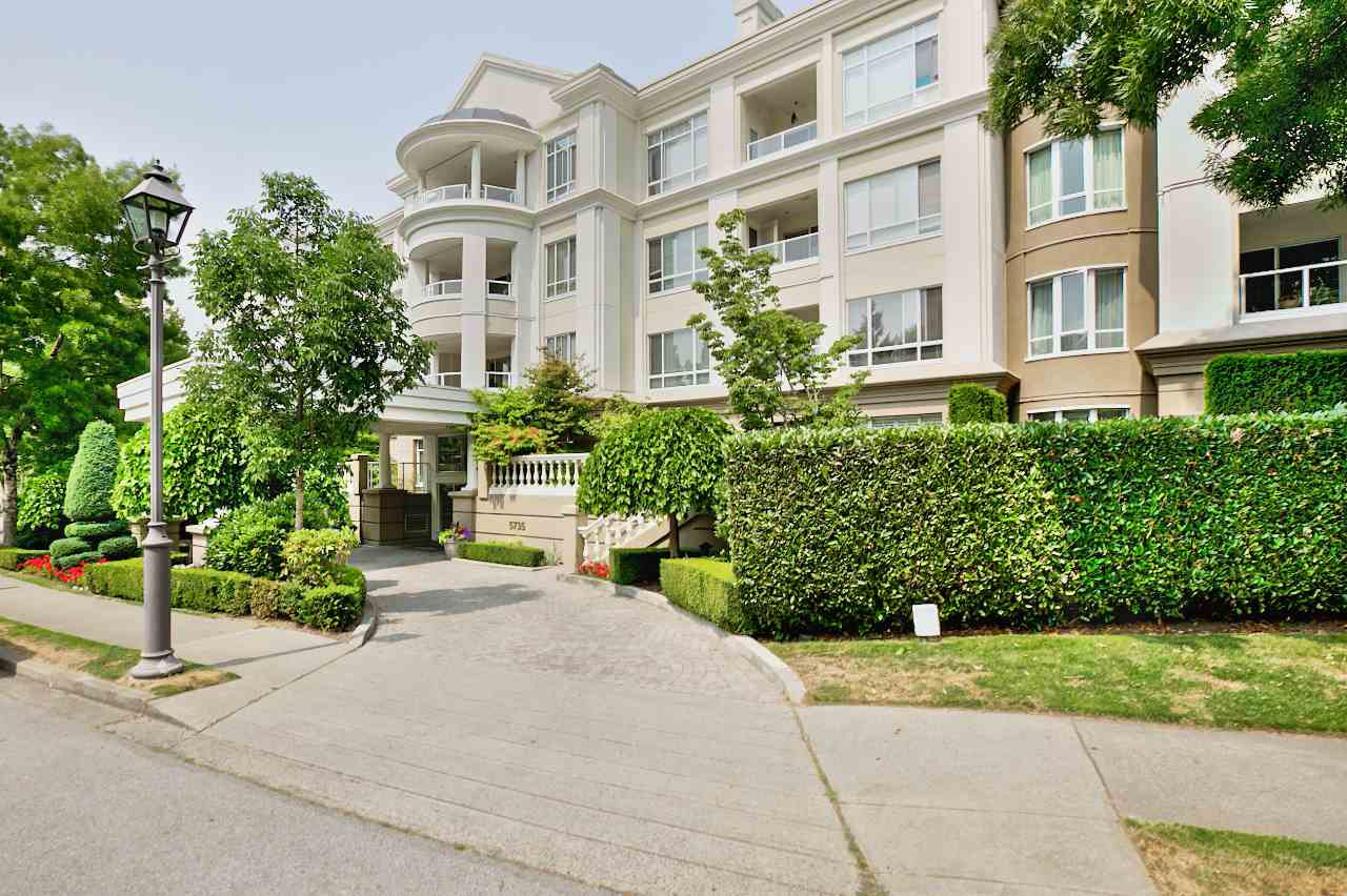 "Main Photo: 332 5735 HAMPTON Place in Vancouver: University VW Condo for sale in ""THE BRISTOL"" (Vancouver West)  : MLS® # R2212569"