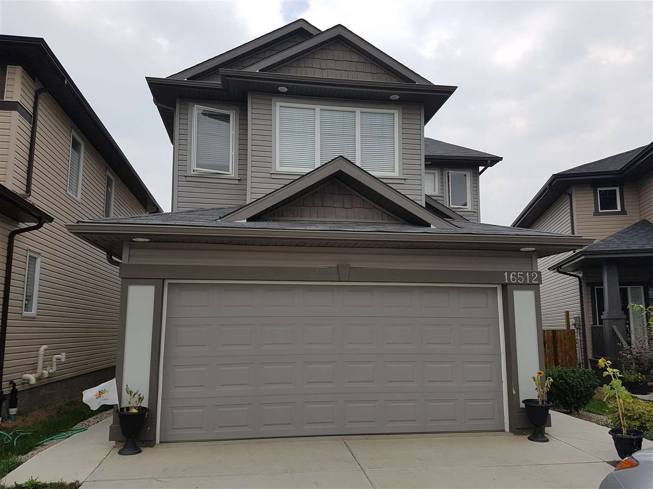 Main Photo: 16512 42 Street in Edmonton: Zone 03 House for sale : MLS® # E4088446