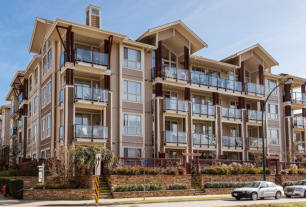 FEATURED LISTING: 406 - 2484 WILSON Avenue Port Coquitlam