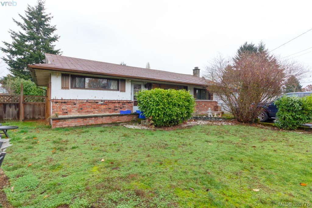 Main Photo: 950 Bray Avenue in VICTORIA: La Langford Proper Single Family Detached for sale (Langford)  : MLS®# 385778
