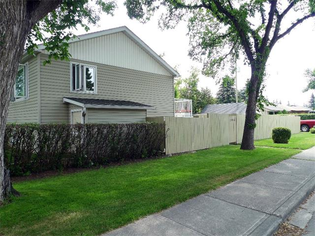 Photo 2: 1903 62 Avenue SE in Calgary: Ogden_Lynnwd_Millcan House for sale : MLS® # C4020664